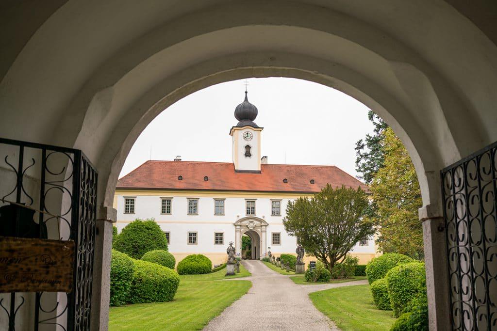 Schloss Altenhof Frameblending Hochzeitslocation